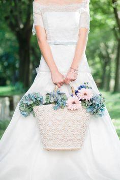 #basket #flowers #fiori #cesto #garden #giardino #bride #sposa