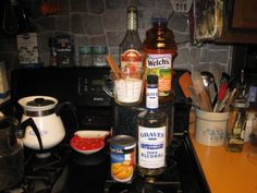 http://goodoleways.com/daves-peach-pie-moonshine-recipe/dogs-secret-recipe-file/#     Peach Pie Moonshine