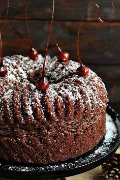 La rana de azúcar: BUNDT DE CHOCOLATE CON CREMA SIMIL FERRERO ROCHER / National BUNDT CAKE Day 2015
