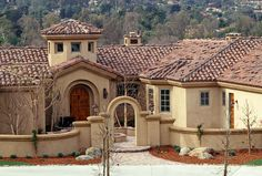 Redland Clay Tile - I love how the stucco is a wash, not all one solid color... and love the roof.