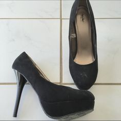Black Platform Stilettos Cute and comfortable heels. Wear with skinny jeans and blazer or dressed up for a night in the town. Worn once! Mossimo Supply Co Shoes Heels