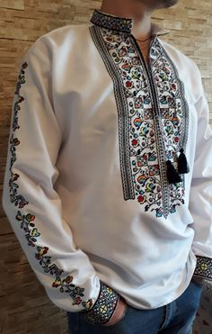 Embroidery Suits Design, Embroidery Fashion, Indian Men Fashion, Mens Fashion, Designer Clothes For Men, Clothes For Women, Fabric Paint Shirt, African Shirts For Men, Banded Collar Shirts