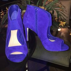 NWT ‼️$54 OFF RETAILGIANI BINI PUMPS SZ 7.5 NWTBEAUTIFUL BLUE GIANI BINI PUMPS SIZE 7.5‼️$54 OFF RETAIL‼️PRICED TO SELLlowball offers!!  THESE SHOES RETAIL FOR OVER $106 Giani Bini Shoes Heels