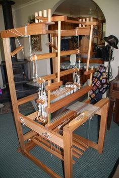 Homemade counterbalance floor loom