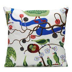 Svenskt Tenn's classic cushions are loved all over the world; This linen cushion has the Gröna Fåglar print. Josef Frank, Green Books, Bed Sheets, Fabric Design, Diaper Bag, Upholstery, Cushions, Throw Pillows, Wallpaper
