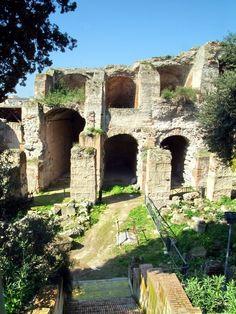 Ruins at Pozzuoli, Italy.. B-E-A-U-TIFUL! I want to go!