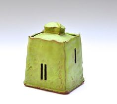 A Daily Publication for Contemporary Ceramic Art + Design. Learn about the latest trends in ceramic art, architecture, technology, design, and studio pottery on CFile. Ceramic Boxes, Ceramic Clay, Ceramic Pottery, Pottery Art, Modern Ceramics, Contemporary Ceramics, Slab Boxes, Types Of Ceramics, Clay Box