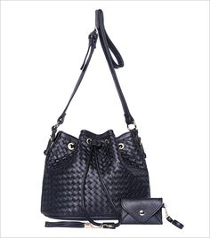Zooomberg Black Drawstring Woven Shoulder Bag_Hauterfly