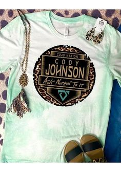 Country Style Outfits, Southern Outfits, Southern Clothing, School Shirt Designs, Cute Shirt Designs, Cowgirl Shirts, Rodeo Shirts, Western Shirts, Rodeo Outfits