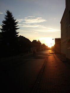 #wagrowiec #wielkopolska #ulica #powstancowwlkp #wschodslonca #sunrise #polska #poland #wągrowiec  Fot. Ł. Cieślak