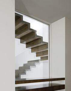 contemporist - modern architecture - symbiosis designs - abu sambra house - amman - jordan - interior view - staircase