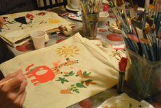 1 mesaj nou Painting Workshop, Art Courses, Paper Shopping Bag, Tote Bag, Studio, Learning, Creative, Artist, Bags