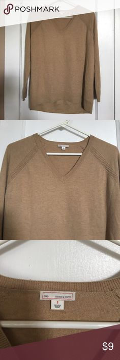 GAP sweater Is the perfect sweater for your fall essentials. Very soft and basic to layer with any other pieces GAP Sweaters Crew & Scoop Necks