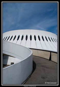 Espace O Niemeyer Oscar Niemeyer, Photo S, Opera House, France, Explore, Building, Travel, Viajes, Buildings