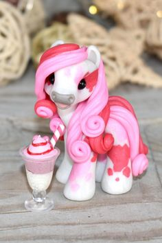 Polymer Clay Sculptures, Polymer Clay Animals, Cute Polymer Clay, Cute Clay, Polymer Clay Creations, Sculpture Clay, Polymer Clay Crafts, Diy Clay, Handmade Polymer Clay