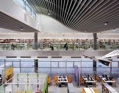 Interior da Biblioteca São Paulo, no Parque da Juventude, cidade de São Paulo, SP, Brasil.  Fotografia: Daniel Ducci.