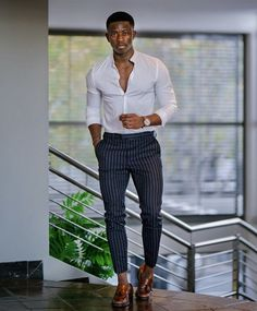 Black Men Casual Style, Men Fashion Photoshoot, Business Casual Attire For Men, Formal Men Outfit, Stylish Mens Outfits, Mens Clothing Styles, Home Office, Ideas, Mens Fashion Blog