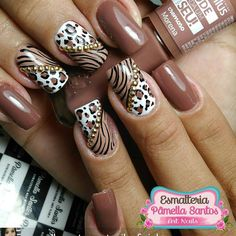 FALLING HEAD over hills for this polish color and nail art for Fall! | ideas de unas | cheetah print nail art | #nails #nailart #naildesign