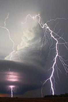 Supercell Nebraska. Harika foto