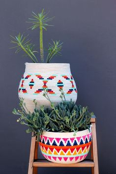 DIY Painted Rope Basket - Honestly WTF - If I haven't cautioned you about the addictive nature of sewing rope baskets, consider this your - Rope Basket, Basket Weaving, Diy Arts And Crafts, Crafts For Kids, Painted Baskets, Diy Rangement, Idee Diy, Arte Floral, Home And Deco