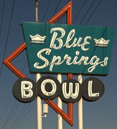 Googie Architecture / Googie Style: Another cool Googie bowling alley sign