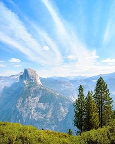 Enjoy the outdoors!! Who likes to go hiking?  The awe inspiring eye-popper of USA's national parks, a Unesco World Heritage site, Yosemite National Park wins the hearts of all who visit. View is of 7214ft Glacier Point . . . . . .  #yosemite #yosemitenationalpark #glacierpoint #halfdome #bigsur #californialove #calilife #montagne  #mountains #mountainview #hiking #carmel #nationalpark #nationalparks #monterey #yosemitefalls #yosemitevalley #californiaadventure #californiadreaming…