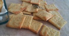 These small rosemary crackers for appetizer or in case of little starvation are an actual deal with, arduous to not eat them one after the opposite! Finger Food Appetizers, Finger Foods, Vegetable Drinks, Vegetable Recipes, Tapas, Food Categories, Dinner Rolls, Vegan Recipes, Food Porn