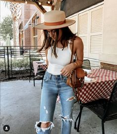 Over 25 unique outfits perfect for summer - Style - Summer Outfits Summer Fashion Outfits, Casual Summer Outfits, Spring Summer Fashion, Spring Outfits, Autumn Fashion, Summer Chic, Summer Clothes, Unique Outfits, Simple Outfits
