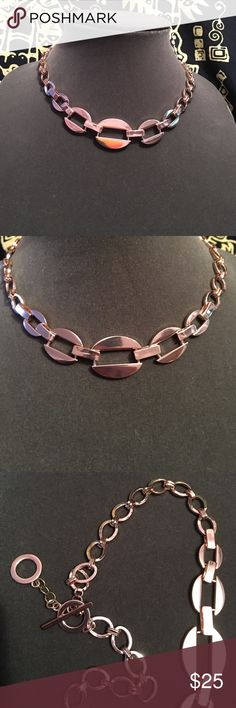 Gold chain necklace Stylish asymmetrical gold chain, 16-18 inches long, never worn Worthington Jewelry Necklaces