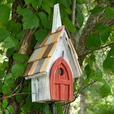 Another birdhouse I love - cool shingles