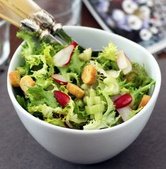 Salad with  Anchovy Sauce Carrot Salad Recipes, Fresh Salad Recipes, Avocado Salad Recipes, Healthy Salad Recipes, Lettuce Recipes, Anchovy Recipes, Low Calorie Salad, Fancy Salads, Christmas Salad Recipes