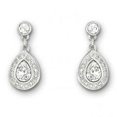 Swarovski earrings. Aretes check!