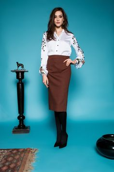 Taupe bronze elastic Italian wool pencil skirt, with tiny ckecked patterns. Black Button, Blouse, Taupe, Bell Sleeves, Brown, Skirts, Fashion, Coloured Glass, Beige