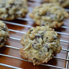 """Small Batch Almond Joy Cookies (recipe) - """"the perfect blend of coconut, semi sweet chocolate and sliced almonds and can be baked and frozen ahead of time. Cookie Desserts, Just Desserts, Cookie Recipes, Delicious Desserts, Yummy Food, Desserts Diy, Dessert Recipes, Awesome Desserts, Cookie Ideas"""