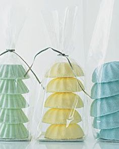 Love how these bath fizzes are packaged.  Easy - yet looks great.  Sparkle & Mine: My Favorite DIY Spa Recipes!