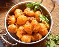 Gujarati Lasaniya Batata Recipe (Garlic Potato Curry)
