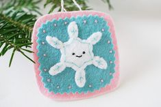 32 Felt Ornaments for Your Christmas Tree