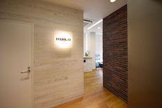 ブリックタイルや天然木を使用し、本物の質感にこだわった心地よい空間|オフィスデザイン事例|デザイナーズオフィスのヴィス
