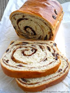 Brown Sugar - Raisin Bread Looks delicious. Im a sucker for raisin bread! Bread Machine Recipes, Bread Recipes, Baking Recipes, Bread Machines, Snack Recipes, Cinnamon Raisin Bread, Sweet Bread, Fresh Bread, Bread Baking