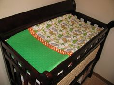 Totally Stitchin': Variation on the Changing Table Mattress Cover #sewing