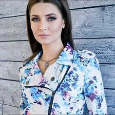 MULTI COLOR PRINT JACKET Kick-off the season in the city with our blue Paint-Print Moto Jacket as a statement piece. Styled with a basic white-tee and jeans for that timeless relaxed but stylish look. Cropped fit. Pictures are showing a small.   Multi-Colored Print Front Zipper Closure 100% Polyester 100% Rayon (Lining) Style Link Miami Jackets & Coats