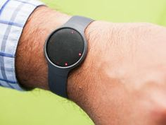 Looking for smartwatches, health tech, and wearable devices? CNET editors' reviews of the best wearable tech products include product photos, video, and user reviews