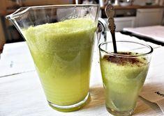 Detoxikační smoothie z ananasu,zázvoru a řapíkatého celeru Detox, Kombucha, Cold Brew, Glass Of Milk, Pudding, Drinks, Tableware, Smoothie, Desserts