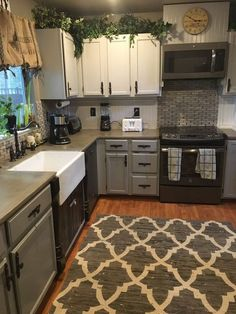 A Little Kitchen Remodel - http://centophobe.com/a-little-kitchen-remodel/ -