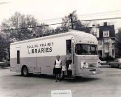 Rolling Prairie Library System bookmobile, Decatur, Illinois.