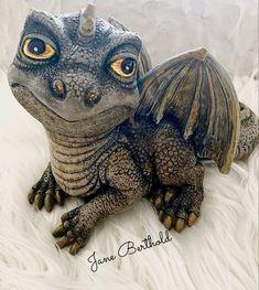 mit beton gegossen und bemalung Handmade 🧑🎨 Turtle, Workshop, Owl, Bird, Animals, Lucerne, Play Dough, Dragons, Sculptures