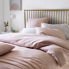 Teen girl bedrooms, design reference for one truly snug design, pin id 7011997085 Bedding Sets Online, Luxury Bedding Sets, Spindle Bed, Cheap Bed Sheets, Bed Linen Design, Luxury Bedding Collections, Duvet Bedding, Comforter Sets, Gray Comforter