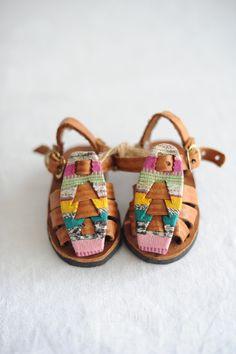 Closed Toe Sandal-Flor // Coolste Baby Sandalen ever