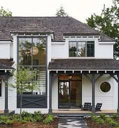 Adorable 70 Best Modern Farmhouse Exterior Design Ideas https://decorapatio.com/2018/02/22/70-best-modern-farmhouse-exterior-design-ideas/ #ExteriorDesign