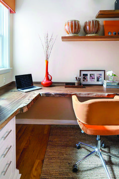 Fabulous home office with live edge desk and multiple workstations [Design: Amy … – Home Office Design Corner Small Home Office Furniture, Home Office Setup, Home Desk, Home Office Design, Office Designs, Office Ideas, Office Table, Pallet Desk, Rustic Home Offices
